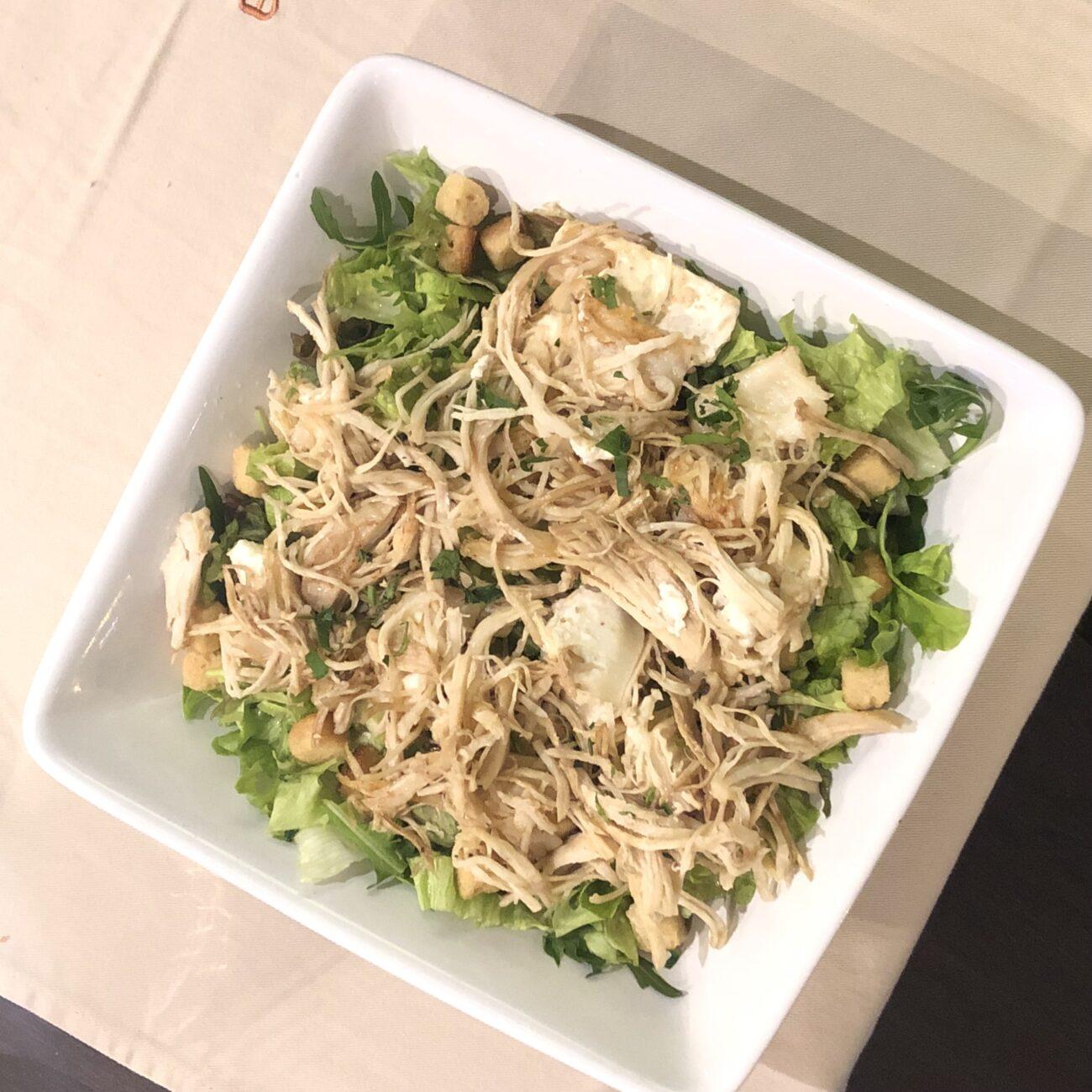 Salada de frango e mozarela